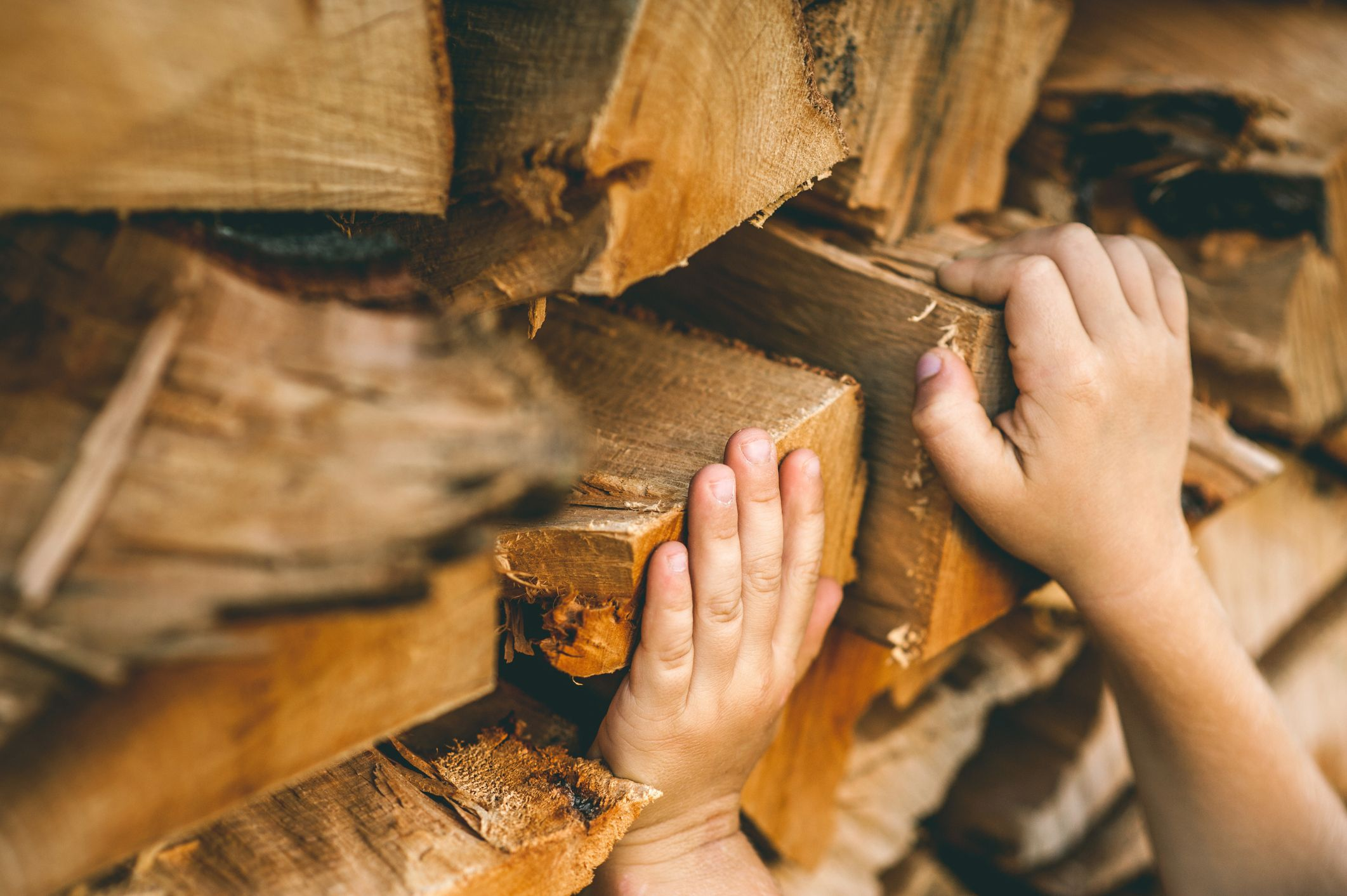 allumer un bon feu dans un insert ou po le bois mode d. Black Bedroom Furniture Sets. Home Design Ideas